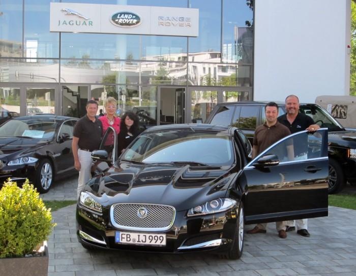 Herr Llambi im Autohaus KALKAN