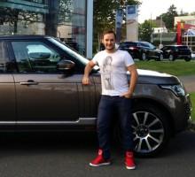 FFH Moderator Felix Moese empfängt seinen neuen Range Rover