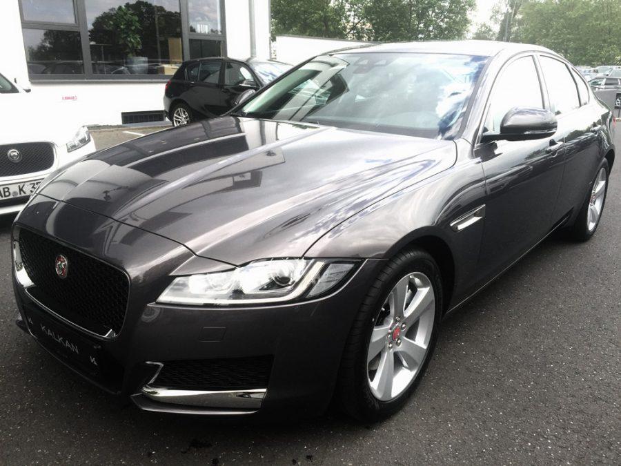 Jaguar_XF_20d_Prestige_web