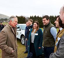 JLR unterstützt aus Anlass des 70. Geburtstages des Prince of Wales 70 seiner Wohltätigkeitsprojekte